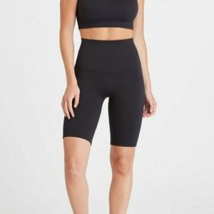 Spanx Look At Me Now Bike Shorts Very Black